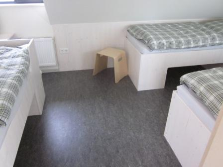 Dachgeschoss Zimmer 5: 3 Betten