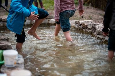 Kneipp-/Wasserspielbecken an der Sicker
