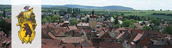 Blick über die Stadt mit oberem Turm