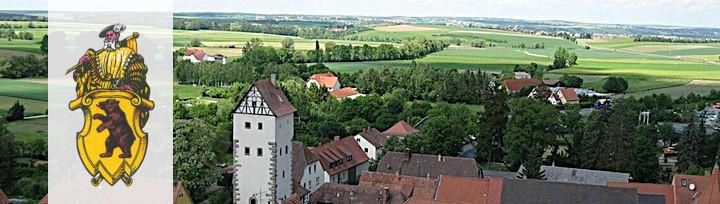 Blick über die Stadt in Richtung Kitzingen mit unterem Turm